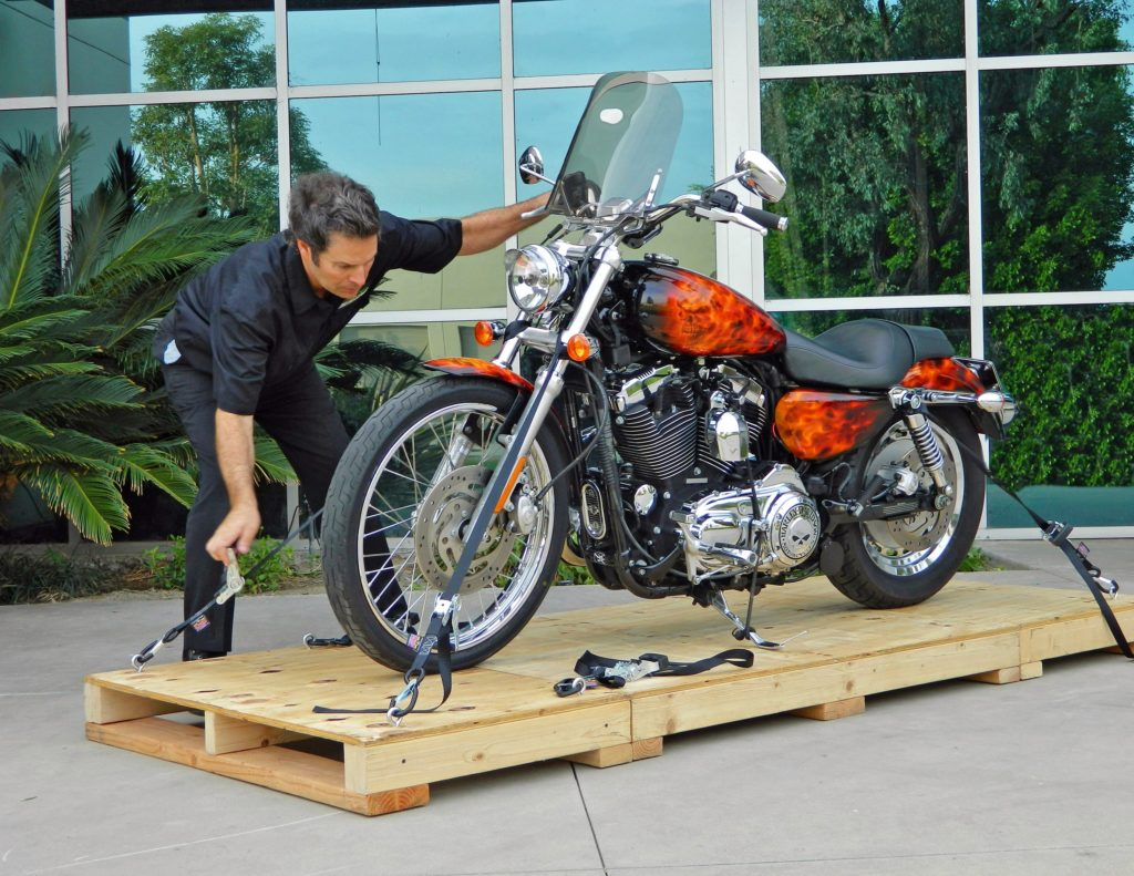 Choosing a Motorcycle Shipper